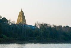 Piękny krajobraz złocista Buddhagaya pagoda, buddysta sanctuar Obrazy Royalty Free