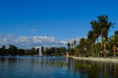 Piękny krajobraz z głębii niebieskim niebem fotografia royalty free