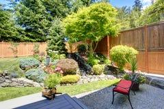 Piękny krajobrazowy projekt dla podwórka ogródu zdjęcie royalty free