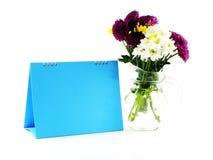 Piękny kwiat i astronautyczna błękit ramy przestrzeń kopiujemy Zdjęcia Stock