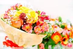 Piękny kwiatu bukieta dzień ślubu Mothersday lub valentines dnia pojęcie Zamyka w górę wizerunku z selekcyjną ostrością Fotografia Stock