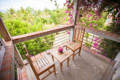 Piękny kwiecisty balkon w małym butika hotelu Fotografia Stock