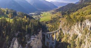 Piękny Landwasser wiadukt w Szwajcaria widoku z lotu ptaka zdjęcie stock