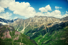 Piękny lato krajobraz Duże Kaukaz góry Obraz Stock