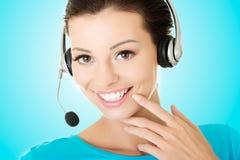 Piękny młody centrum telefoniczne asystent Zdjęcia Stock