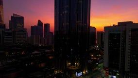 Piękny magiczny zmierzch w Abu Dhabi mieście, Zjednoczone Emiraty Arabskie zbiory wideo