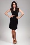 Piękny moda model jest ubranym suknię zdjęcia royalty free