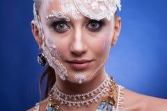 Piękny model z artystyczny kreatywnie uzupełniał Zdjęcie Royalty Free