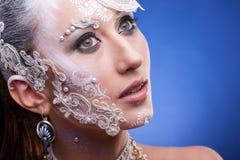 Piękny model z artystyczny kreatywnie uzupełniał Obraz Royalty Free