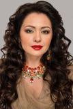 Piękny model z biżuterią Zdjęcia Royalty Free