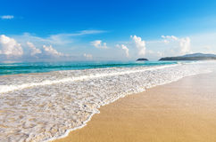 Piękny morze Karon plaża, Phuket Zdjęcia Stock