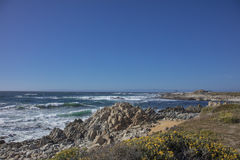 Piękny morze wzdłuż wybrzeża Kalifornia Zdjęcia Royalty Free