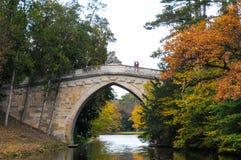 Piękny most przy Laxenburg pałac i jezioro, Austria Zdjęcia Royalty Free