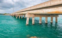Piękny most wzdłuż oceanu, klucz wyspa, FL Obraz Royalty Free