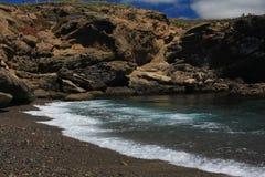 Piękny naturalny seascape przy dennym wybrzeżem czarnym czernią i i obraz stock