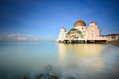 Piękny niebieskie niebo nad Malacca cieśninami Meczetowymi Obrazy Stock