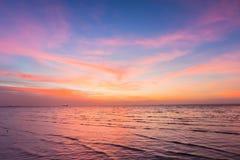 Piękny niebo po zmierzchu nad seacoast linią horyzontu Obraz Royalty Free