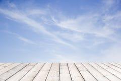 Piękny niebo z drewnianą podłoga Zdjęcia Stock