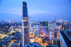 Piękny noc widok Ho Chi Minh pejzaż miejski SaiGon, Wietnam Obrazy Stock