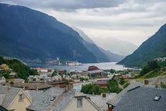 Piękny norwegu krajobraz z fjord w Odda fotografia stock