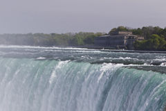 Piękny odosobniony obrazek z zadziwiającym Niagara spada kanadyjczyk strona fotografia royalty free