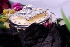 Piękny Orientalny biżuterii pudełka indianin, arab, afrykanin, egipcjanin Moda egzota akcesoria zdjęcie stock