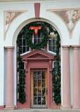 Piękny ozdobny drzwi dekorujący dla bożych narodzeń, gościa centrum, Saratoga, NY, 2015 Fotografia Stock