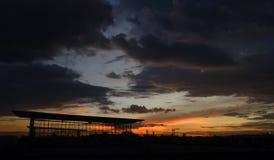 Piękny półmrok z dramatycznymi chmurami obrazy stock