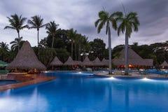 Piękny pływacki basen przy zmierzchem Obraz Royalty Free