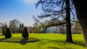 Piękny pałac i poprzedni umysłowy szpital na Elagin wyspie zdjęcie royalty free