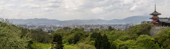 Piękny panoramiczny widok Kyoto od Kiyomizu-dera świątyni, Japonia zdjęcia royalty free