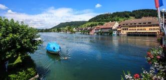 Piękny panoramiczny widok Stein Am Rhein miasteczko na Rhine rzece w piękno Szwajcarskim kantonie Schaffhausen fotografia royalty free