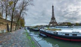 Piękny panoramiczny widok wieży eifla i Jena most dla obraz royalty free