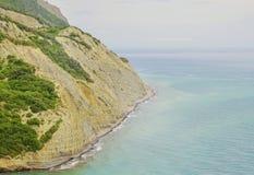 Piękny plaży zatoki wybrzeże morze z skałami Fotografia Royalty Free