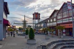 Piękny plac w San Francisco Japantown podczas boże narodzenie sezonu przy zmierzchem zdjęcie royalty free