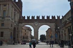 Piękny Portoni Della stanik Datujący W Thirteenth wieku W Verona Podróż, wakacje, architektura Marzec 30, 2015 Verona, obrazy royalty free
