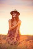 Piękny portret beztroska szczęśliwa dziewczyna Zdjęcia Royalty Free