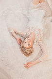 Piękny portret kobieta z blondynka włosy z wieczór makijażem Zdjęcia Royalty Free