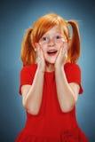 Piękny portret zdziwiona mała dziewczynka Fotografia Stock
