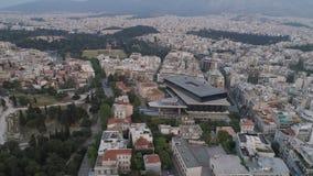 Piękny powietrzny pejzaż miejski Ateny z nowożytnym muzeum akropol zbiory wideo