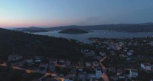 Piękny powietrzny wideo półmroku wieczór w Dalmatia, Chorwacja, Europa zbiory