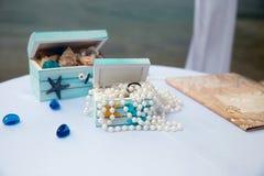 Piękny pudełko z obrączką ślubną zdjęcie stock