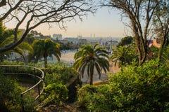 Piękny punkt widzenia Barcelona przy wschodem słońca, naturalna lokacja w wiośnie Zdjęcie Royalty Free