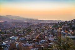 Piękny punkt widzenia Barcelona przy wschodem słońca, naturalna lokacja w wiośnie Obrazy Royalty Free