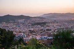 Piękny punkt widzenia Barcelona przy wschodem słońca, naturalna lokacja w wiośnie Obrazy Stock