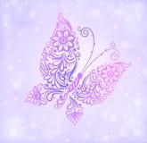 Piękny purpurowy motyli latanie przeciw bokeh i błyskotliwości Obrazy Stock