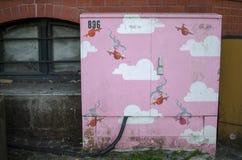 Piękny różowy grafiti dla dzieciaków dekoruje miasta Obraz Royalty Free