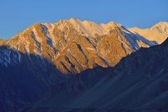 Piękny ranku światło na górze w Północnym Pakistan Zdjęcie Stock