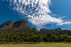 Piękny Rio De Janeiro góry krajobraz fotografia royalty free