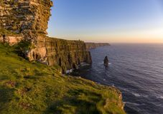 Piękny Sceniczny Powietrzny trutnia widok Irlandia falezy Moher w okręgu administracyjnym Clare, Irlandia zdjęcia royalty free